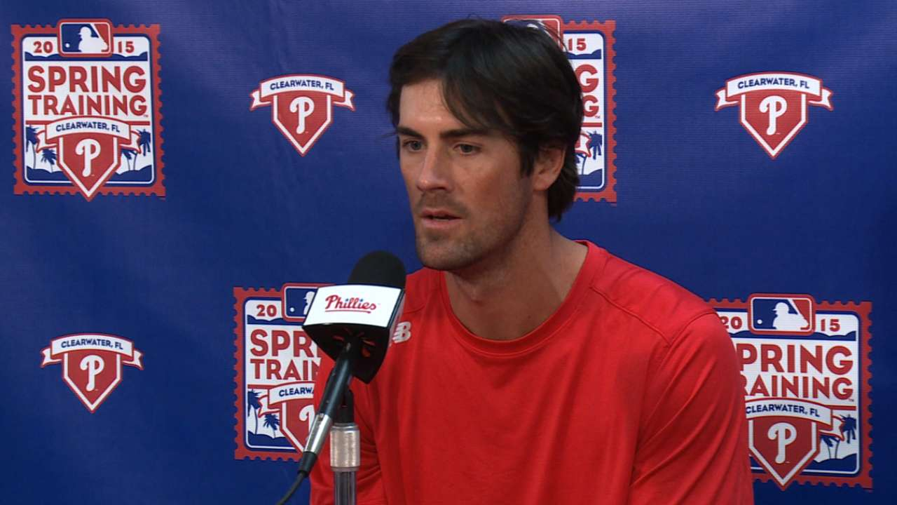 Hamels 'fully committed' to Philly as season approaches