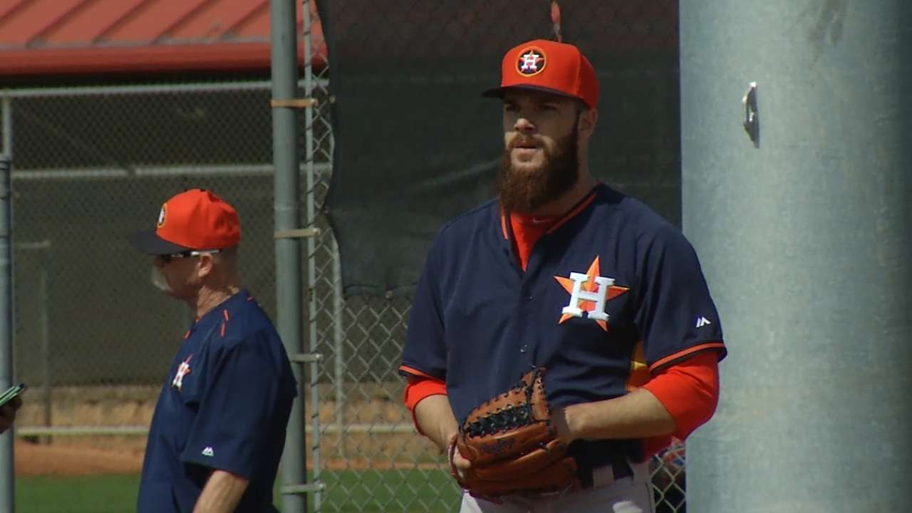 Castro sees Neshek from different perspective