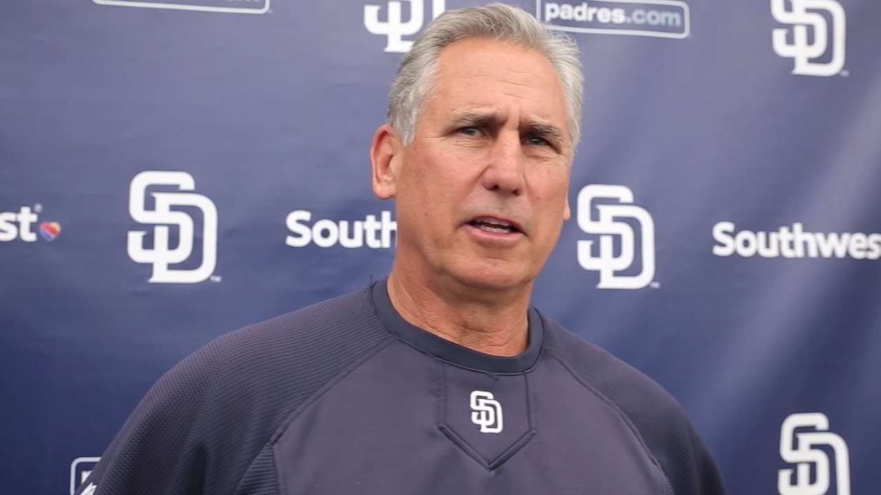 Padres prospect Kelly slowed by strained groin