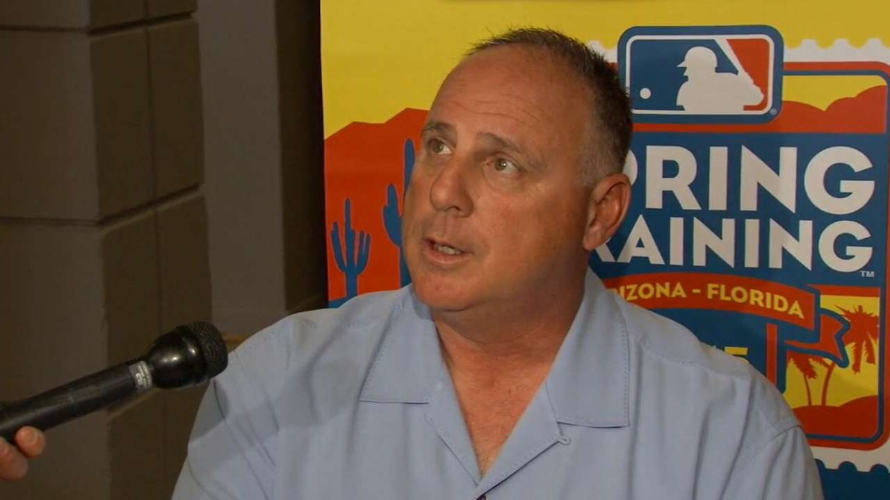 Scioscia on young arms, catching