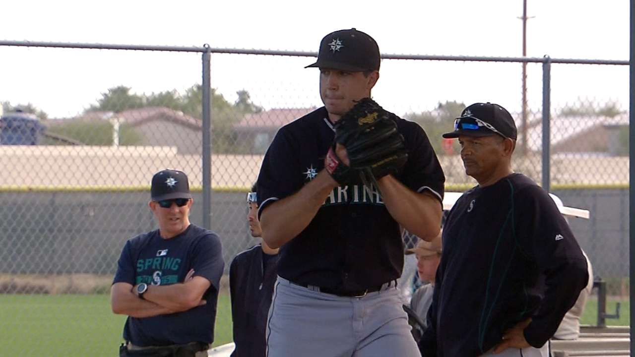Hultzen meets milestone with first spring bullpen session