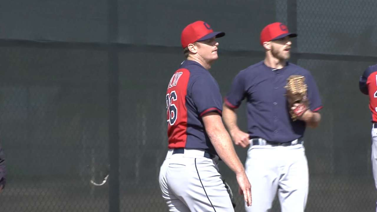 Overcoming elbow injuries, Floyd gets new start with Indians