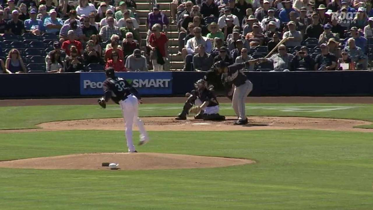 Walker sizzles in Cactus victory over Padres
