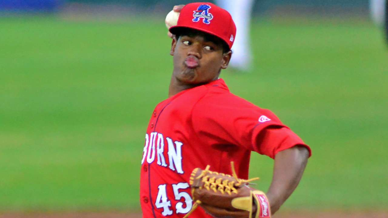 Lopez, Difo among 10 top prospect performers Wednesday