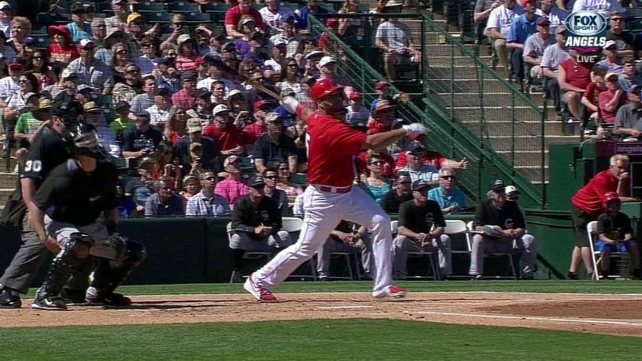 Pujols' 1st-inning single