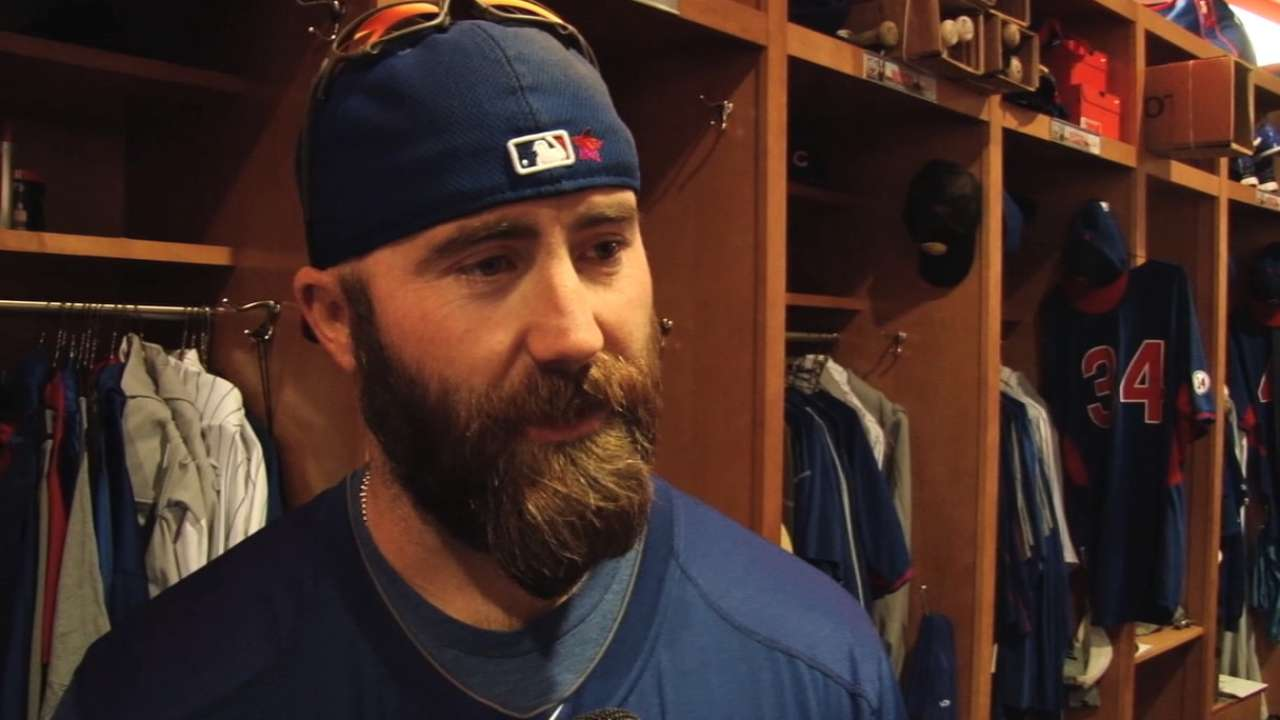 Motte happy to serve as mentor to young Cubs relievers