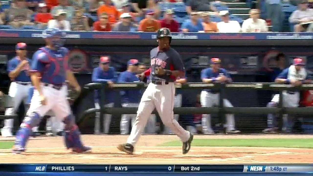 Bogaerts' bat stays hot, Victorino to return Tuesday