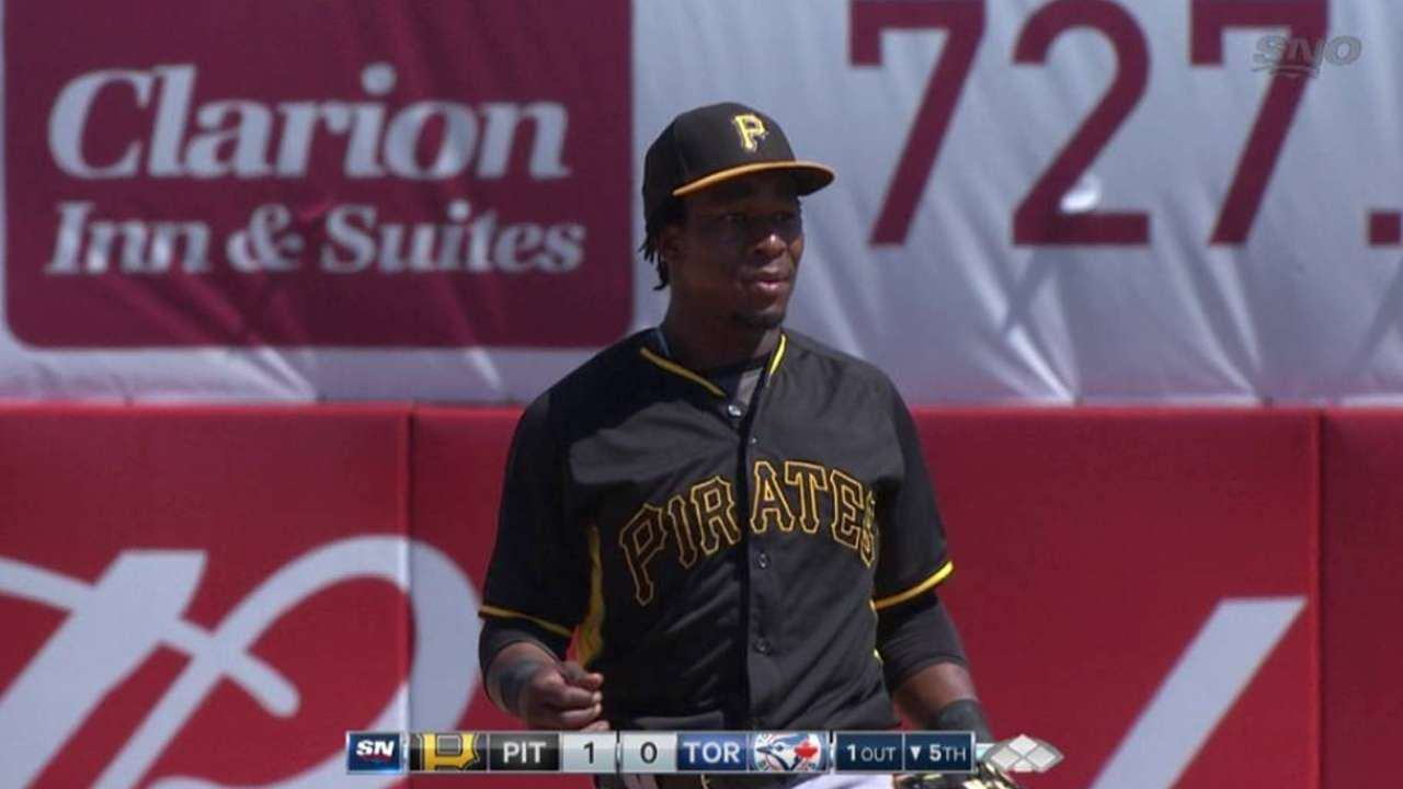 Pirates add infielder Ngoepe to 40-man roster