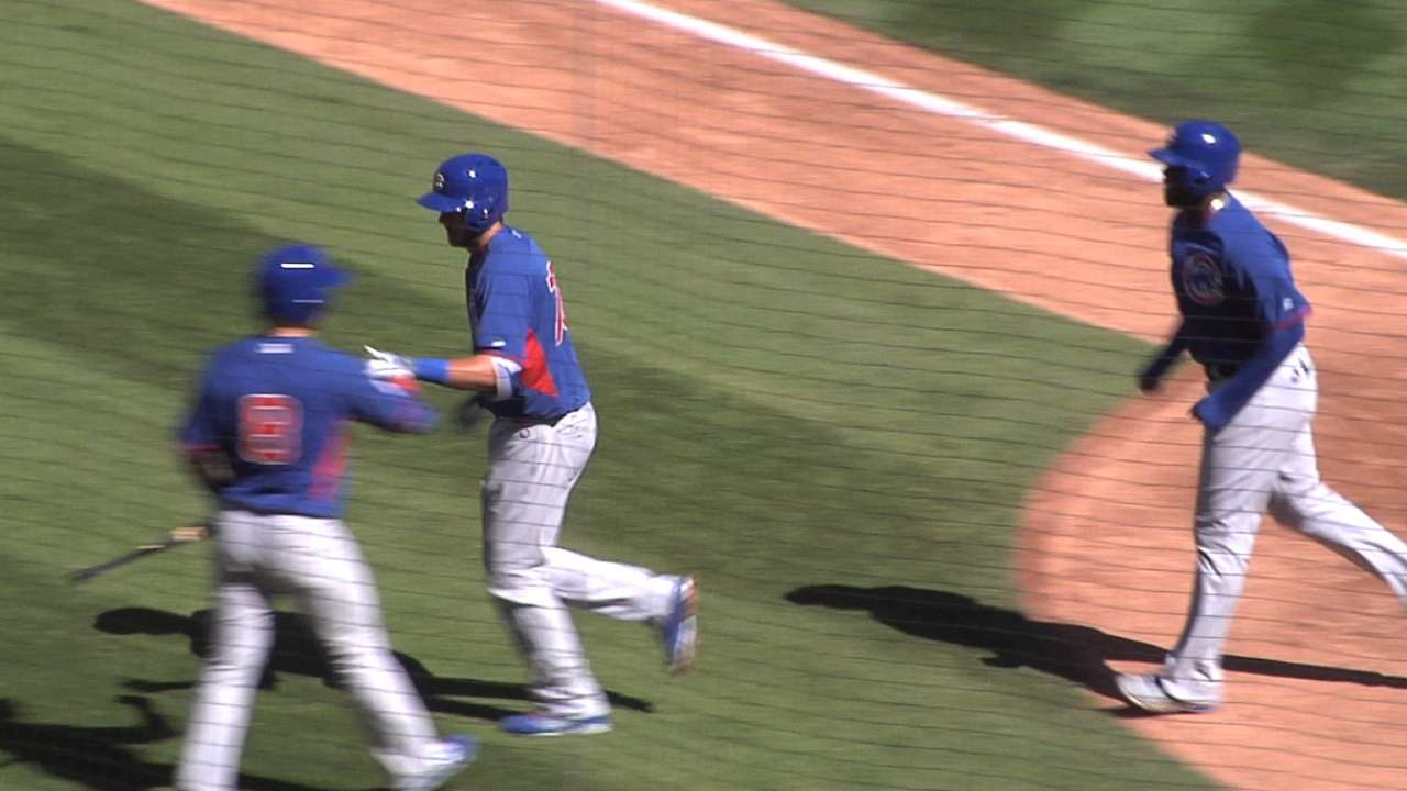 Fowler, Bryant developing bond in Cubs camp