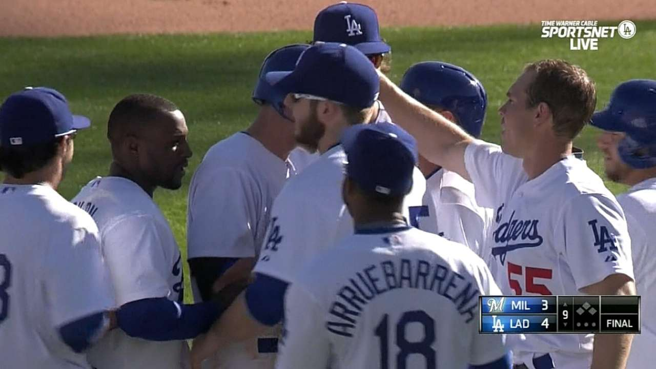 McCarthy makes Dodgers debut, Seager hits game-winner
