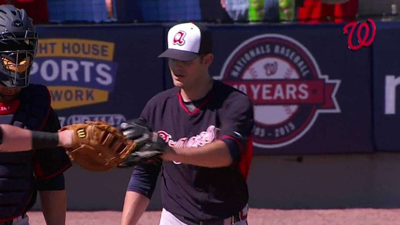 Braves call up Brigham to join bullpen