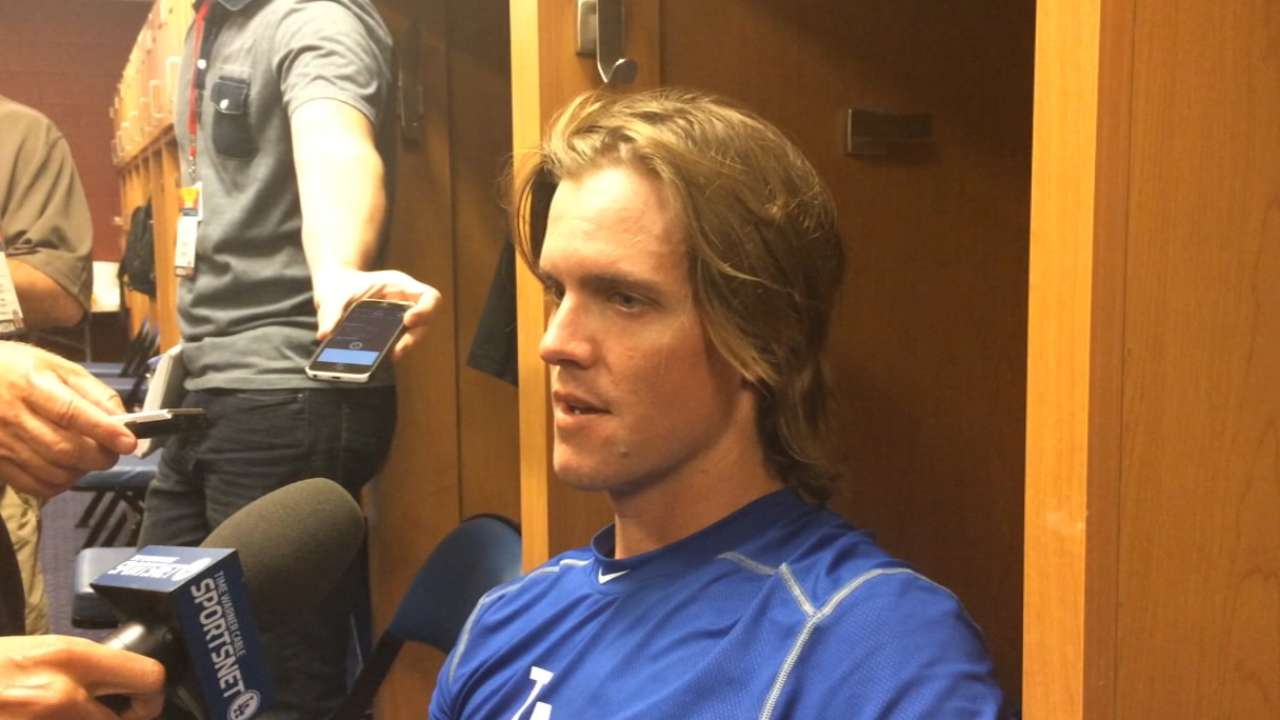 Greinke has trouble shaking off rust in spring debut
