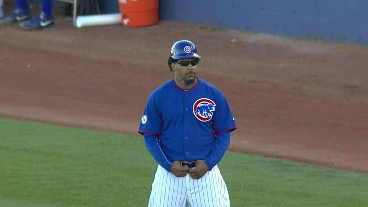 Manny visits Cubs, likes look of offense