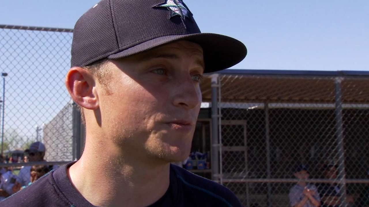 Mariners scratch Seager from game against Cubs