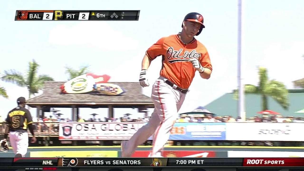 Pearce's two-run homer boosts O's