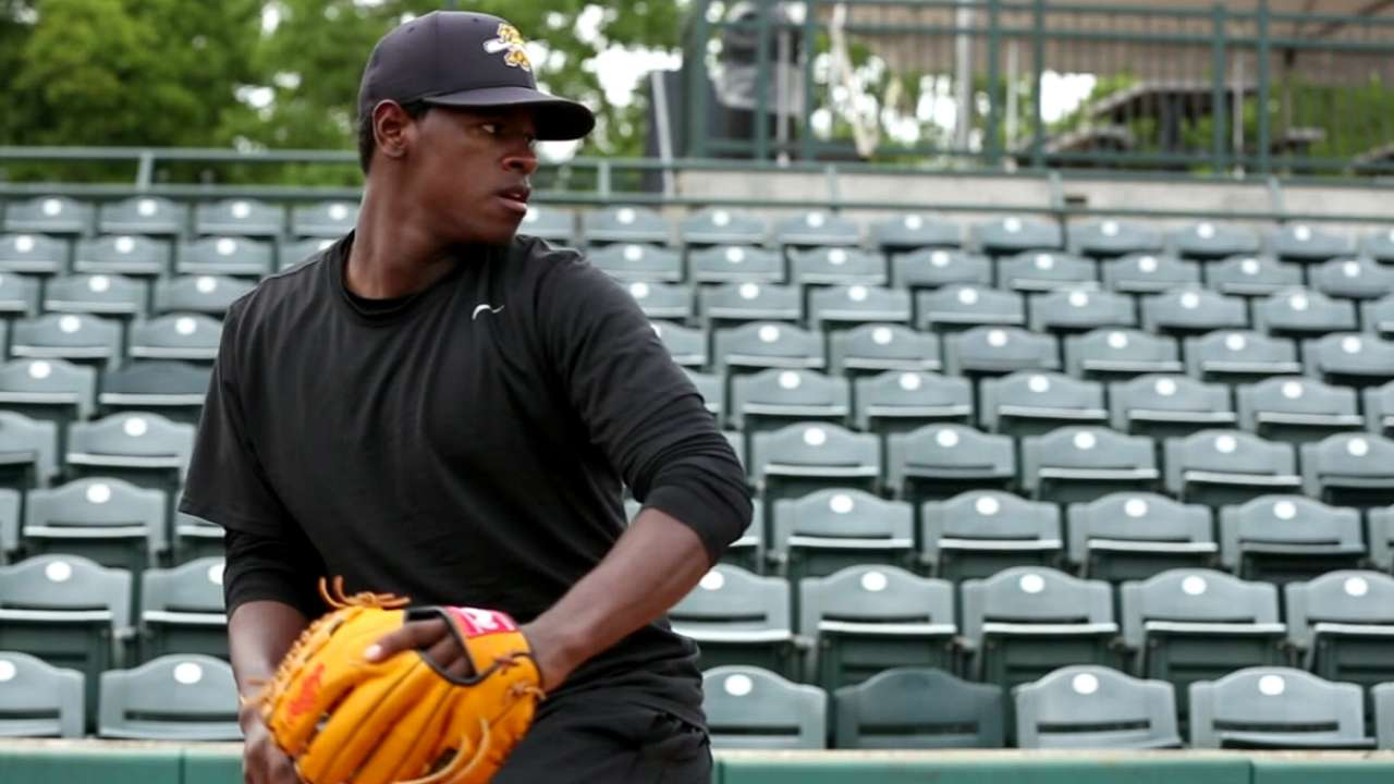 Severino takes over top spot among fantasy prospects in Minors