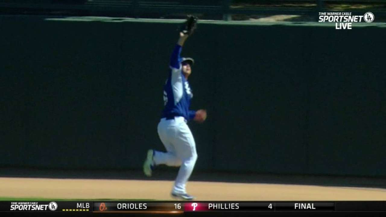 Pederson makes great catch