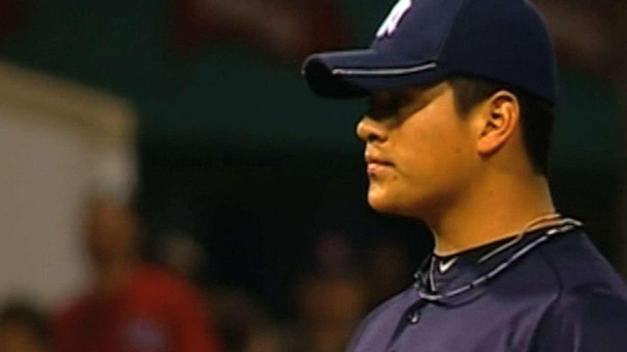 Banuelos to make MLB debut in finale vs. Nats