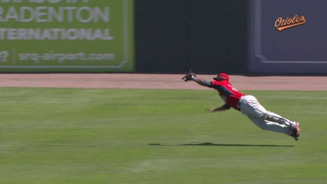 Hicks' incredible diving catch