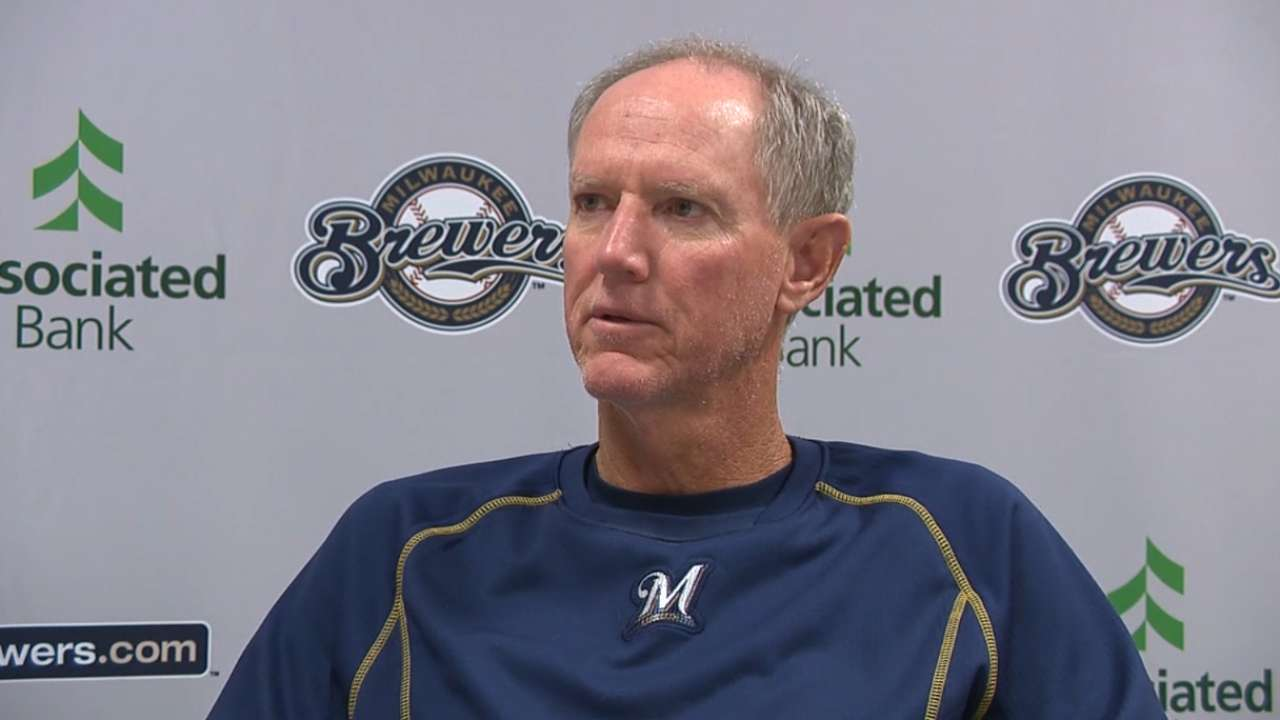 Brewers exercise 2016 club option on Roenicke