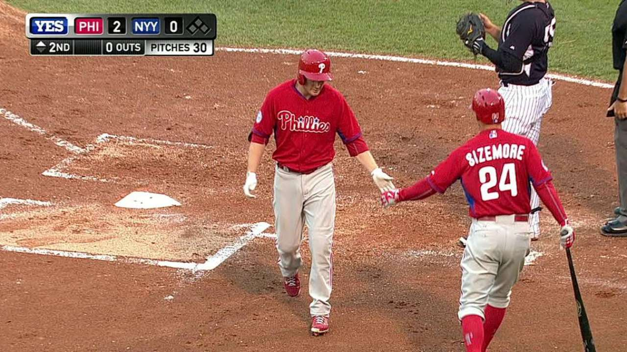 Asche clear favorite for Phillies' third-base job