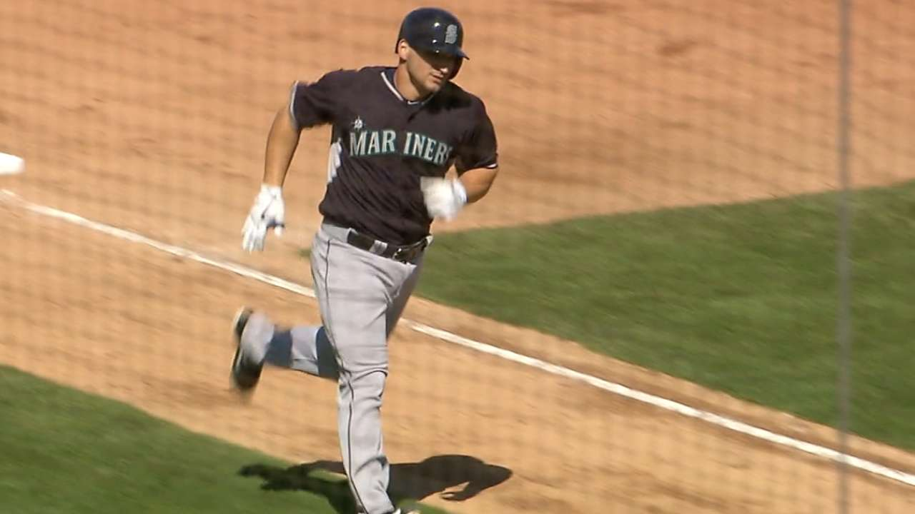 Zunino knocks two homers to back solid Elias