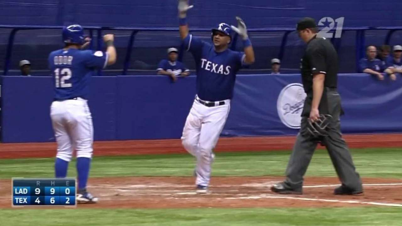 Corporan's HR not enough to offset 5 LA blasts at Alamodome