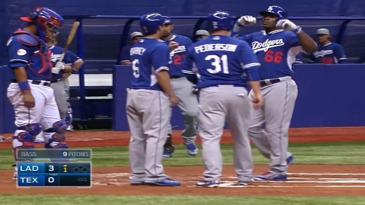 Dodgers go deep in heart of Texas to top Rangers