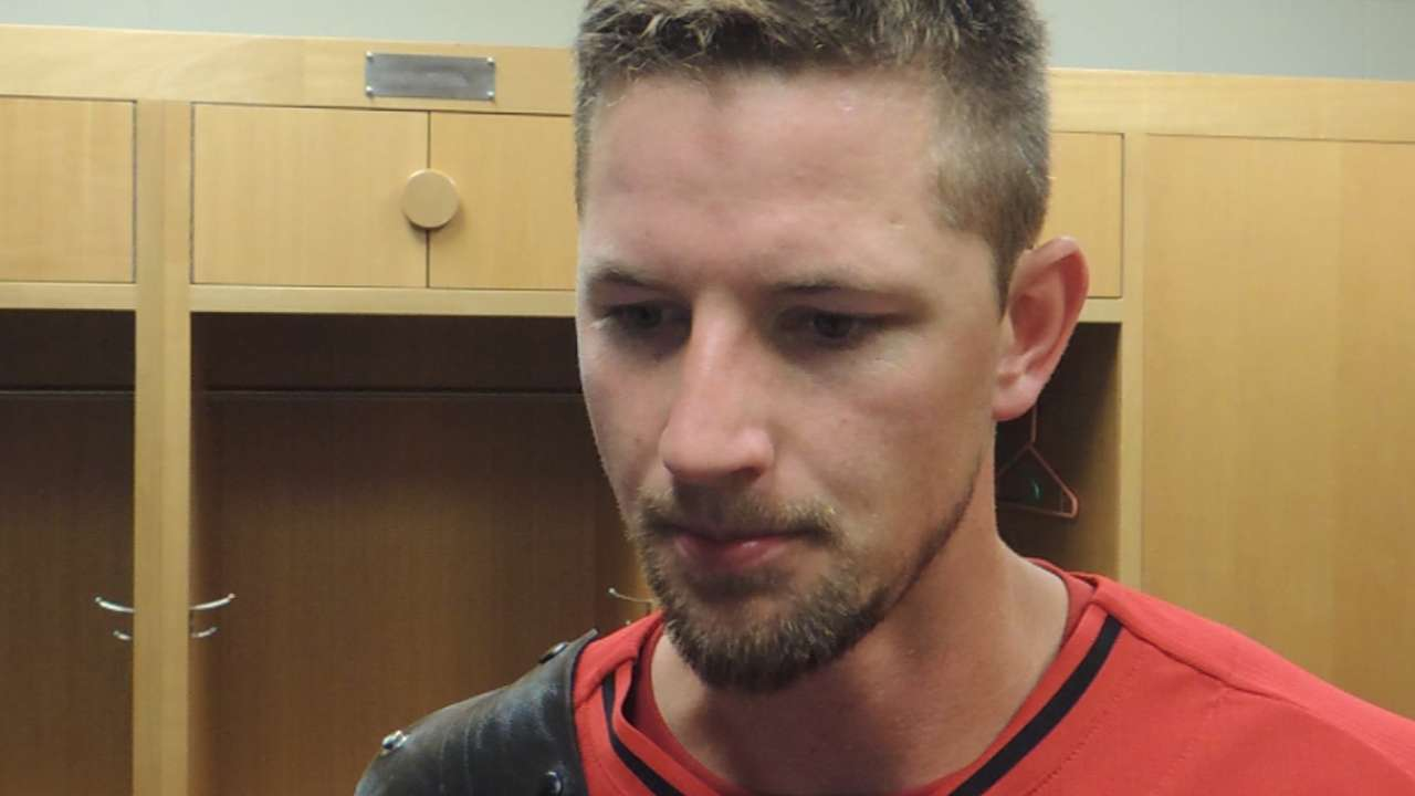 Leake goes five strong, Satin plays hero as Reds rally vs. A's