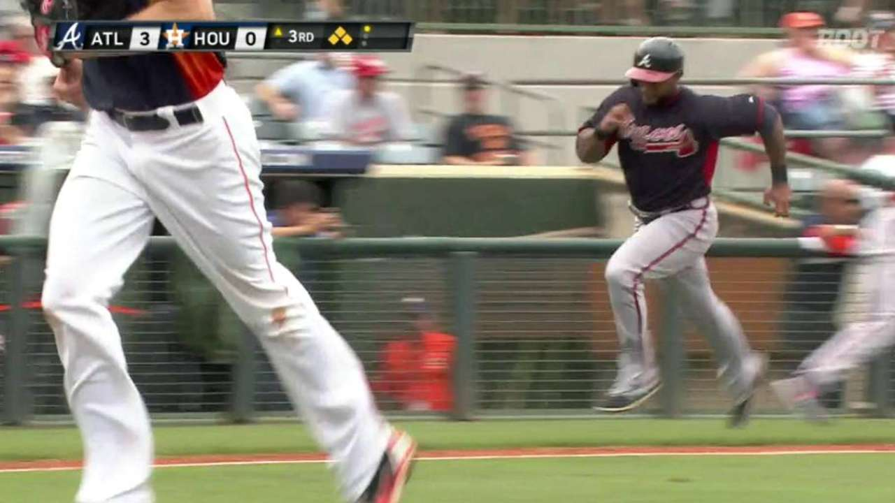 Simmons leads offensive surge in Markakis' debut