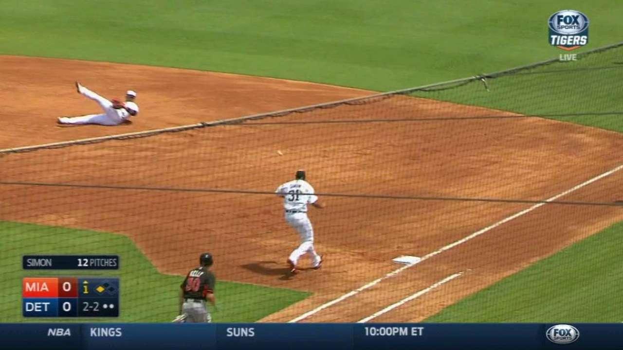 Cabrera debuta en la 1B y Detroit supera a Miami