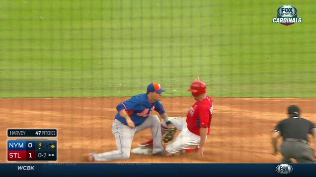 d'Arnaud throws out Bourjos