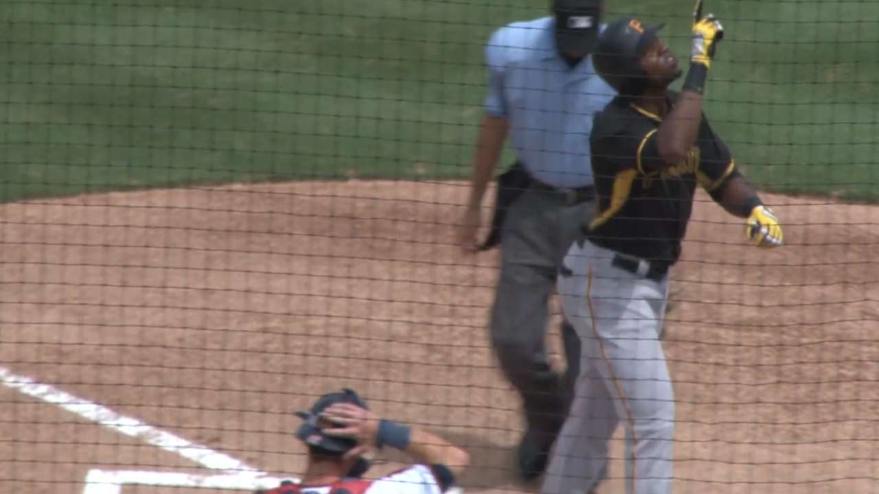 Solo blasts power Pirates past Twins