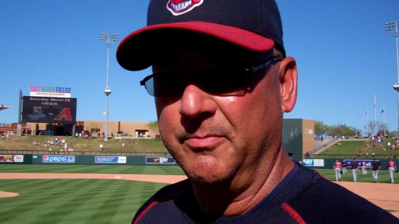 Kluber pushes pitch count vs. D-backs to gain strength