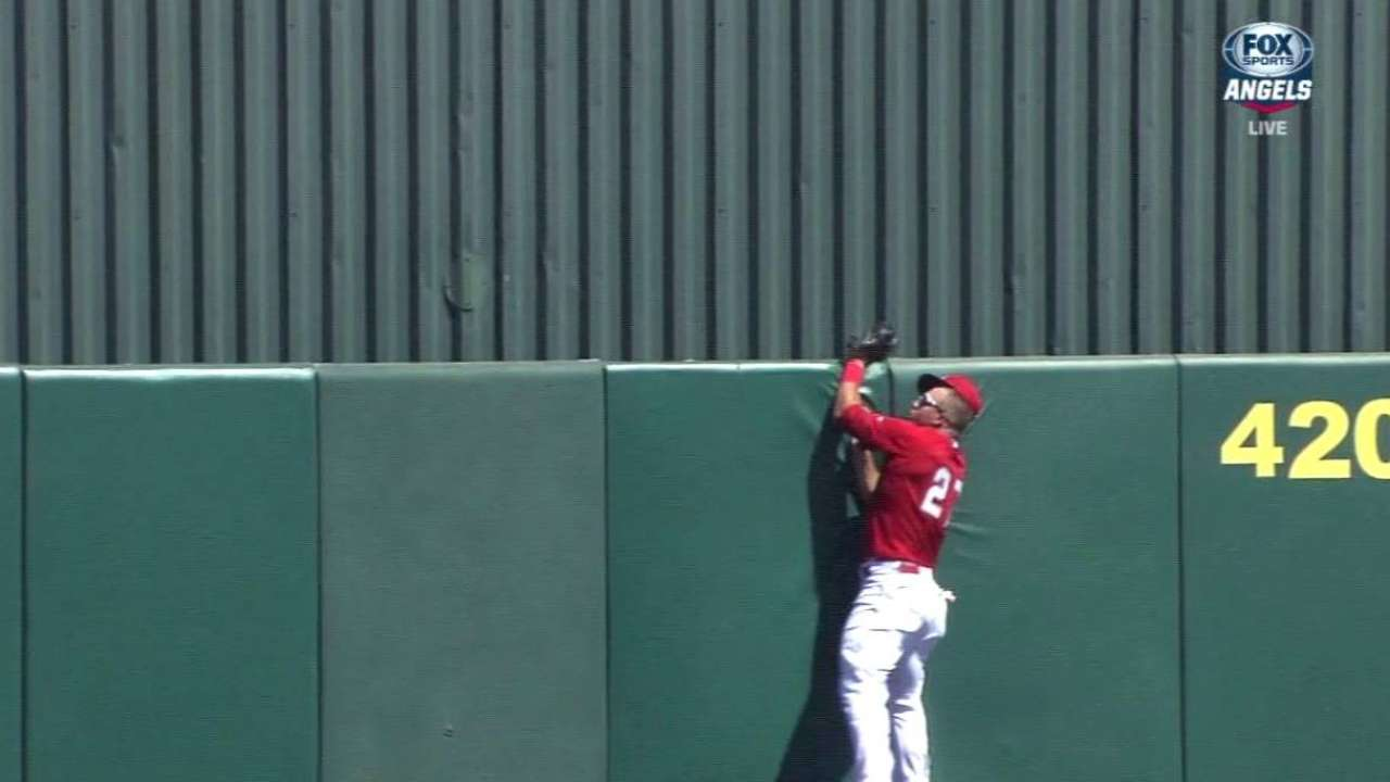 Trout makes highlight-reel catch in first inning