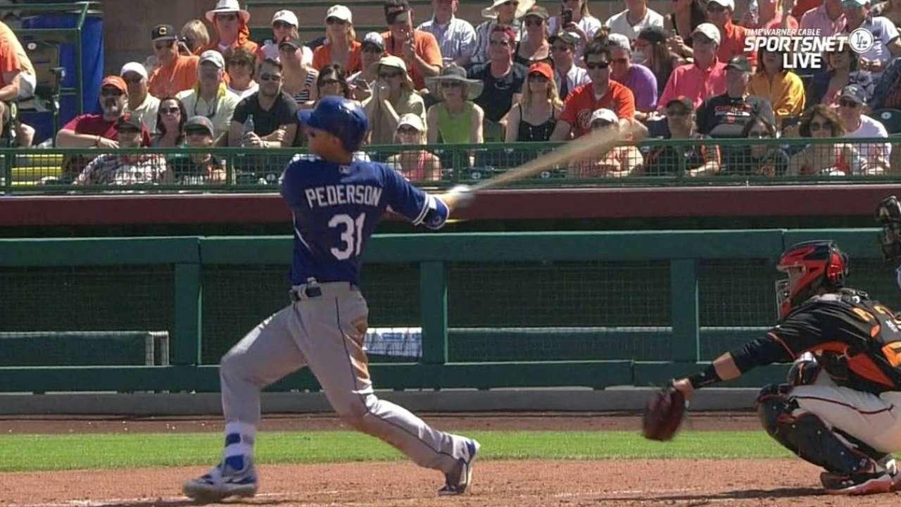 Pederson, Grandal show muscle vs. Giants