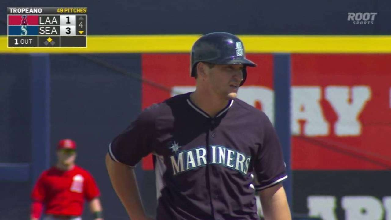 Zunino taking charge with Mariners' pitchers