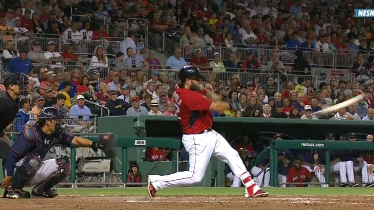 Napoli crushes rare broken-bat homer