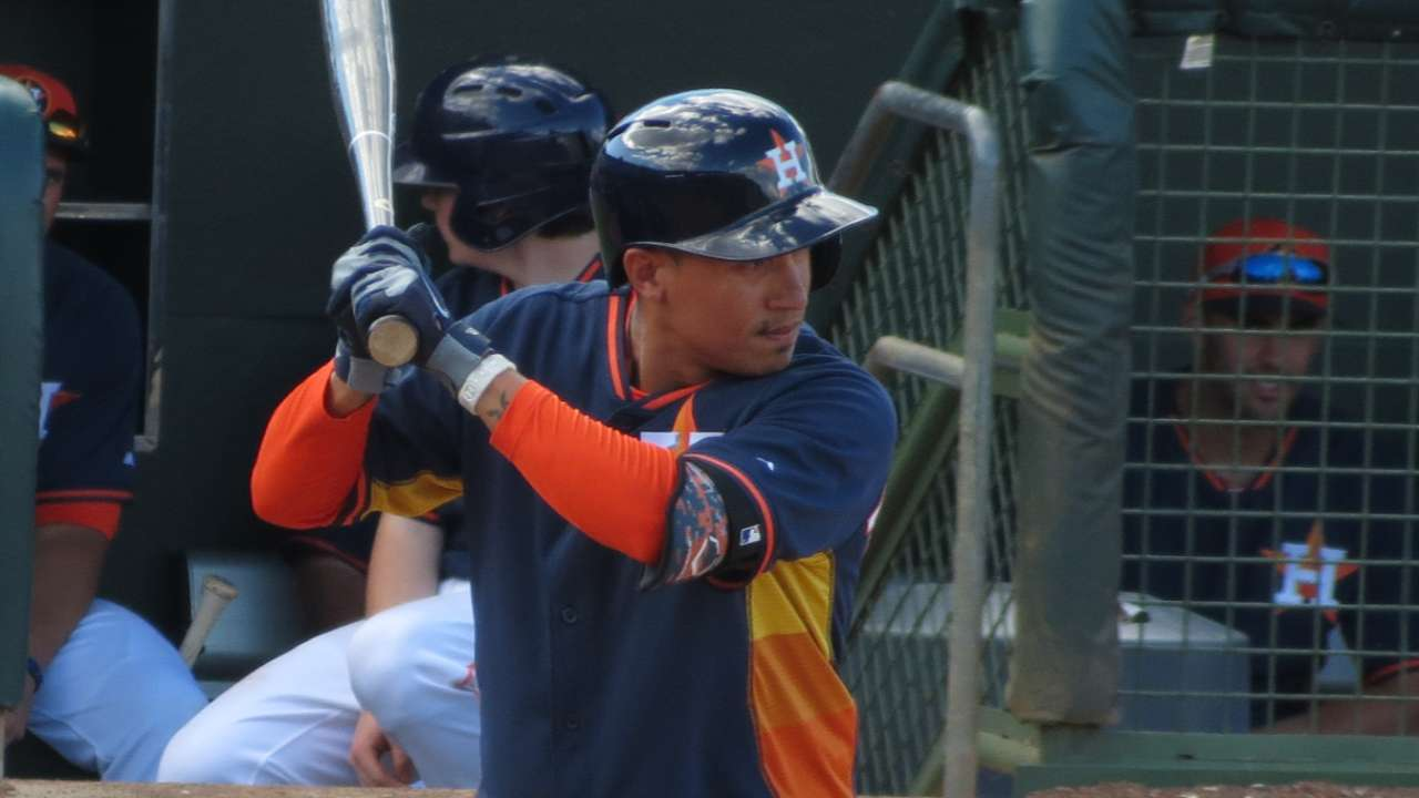 Blue Jays acquire Torreyes from Astros