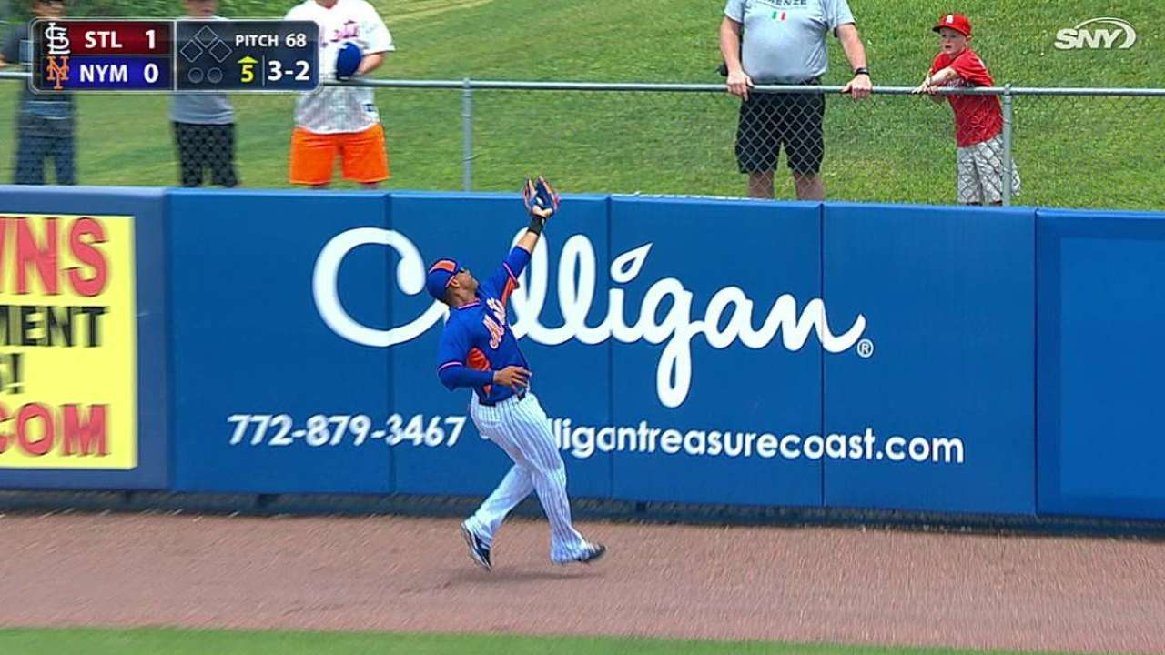 Lagares shows off his range