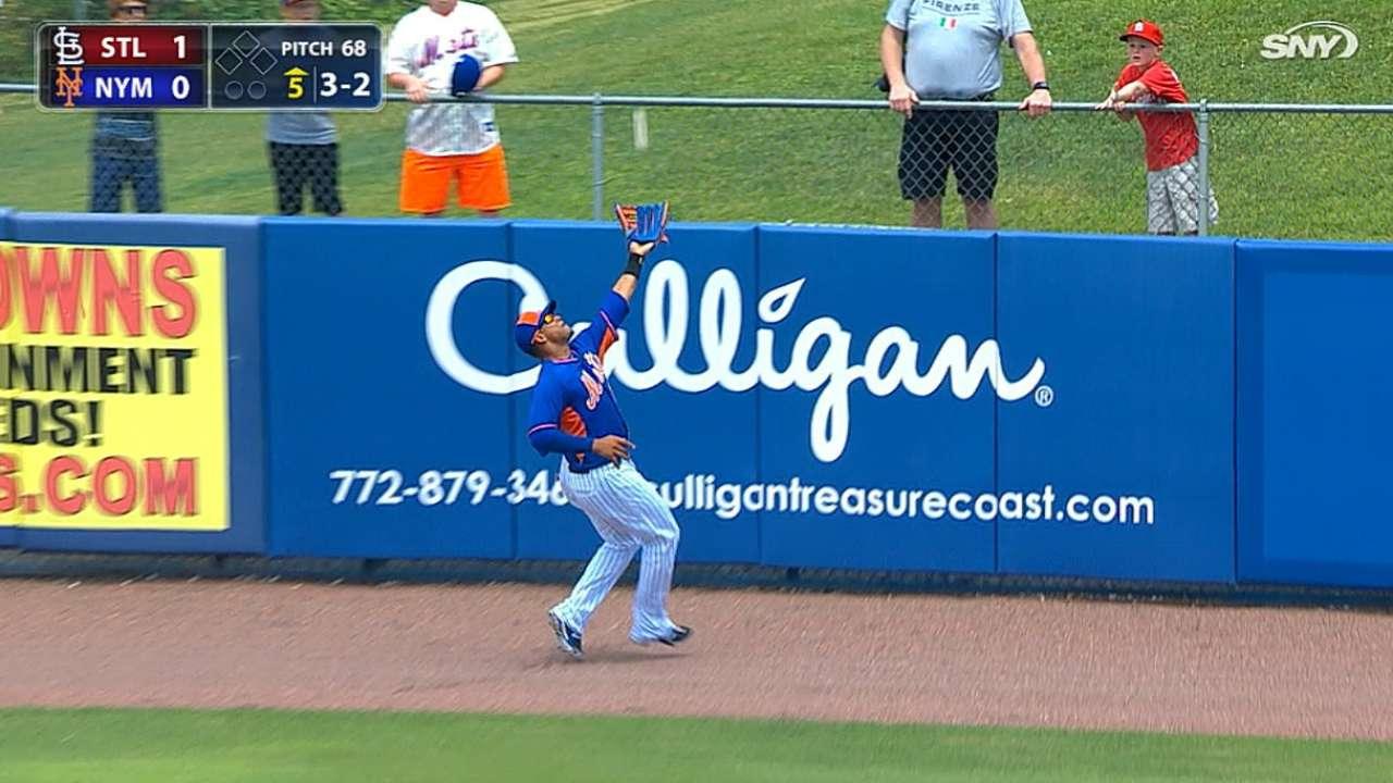 Lagares' consecutive catches