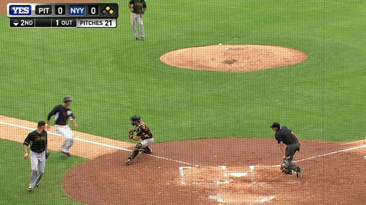 Marte throws out Jones
