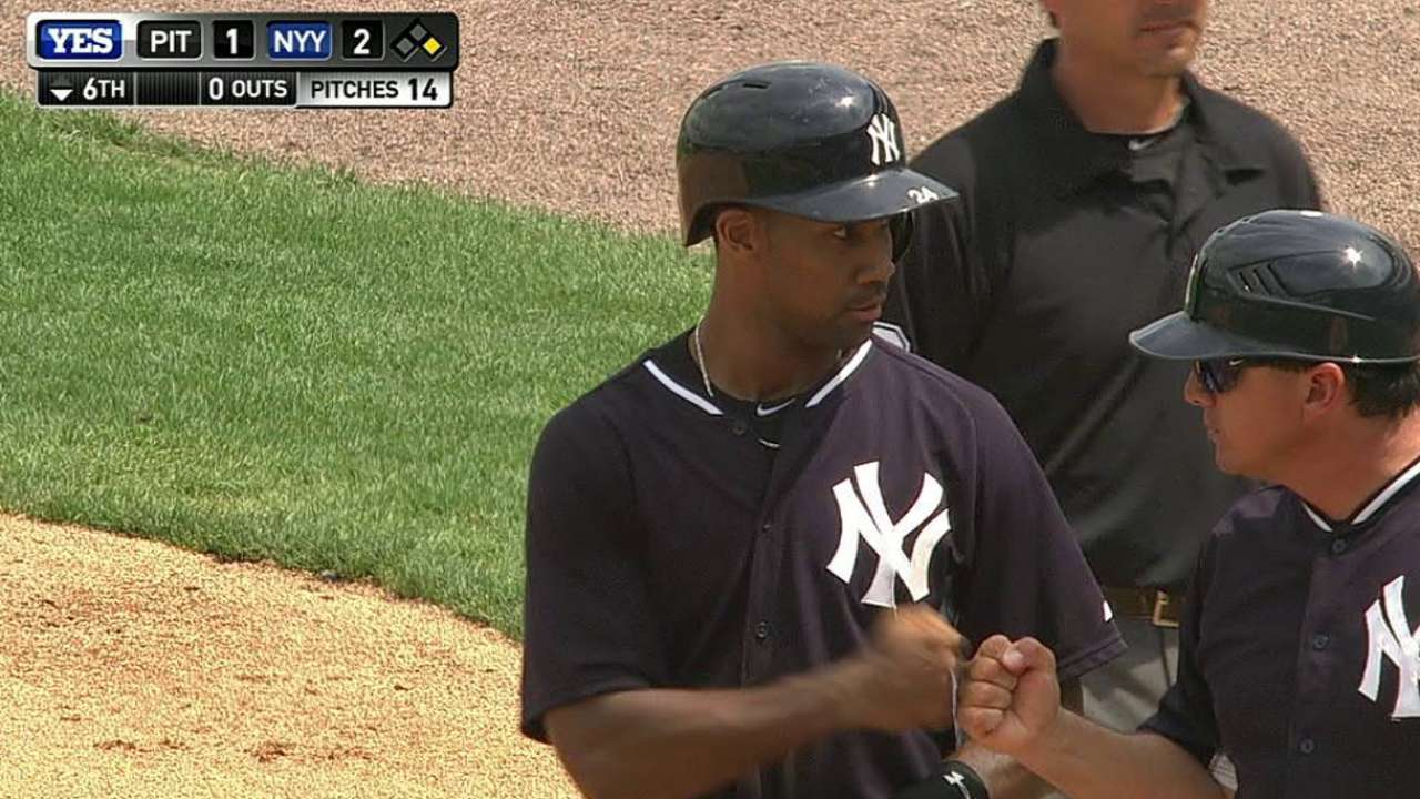 Pineda fans 6, A-Rod flashes glove at 1B