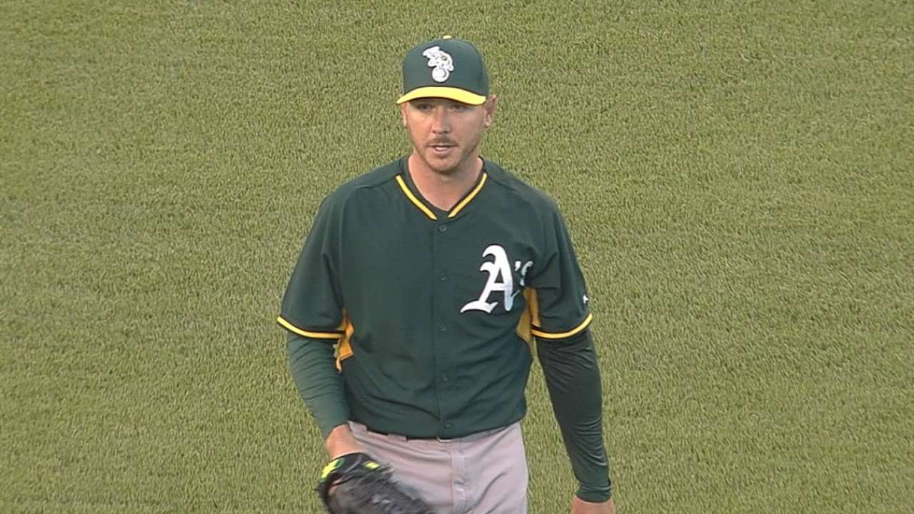 Kazmir cruises in six innings vs. Giants; lineup pounds Peavy