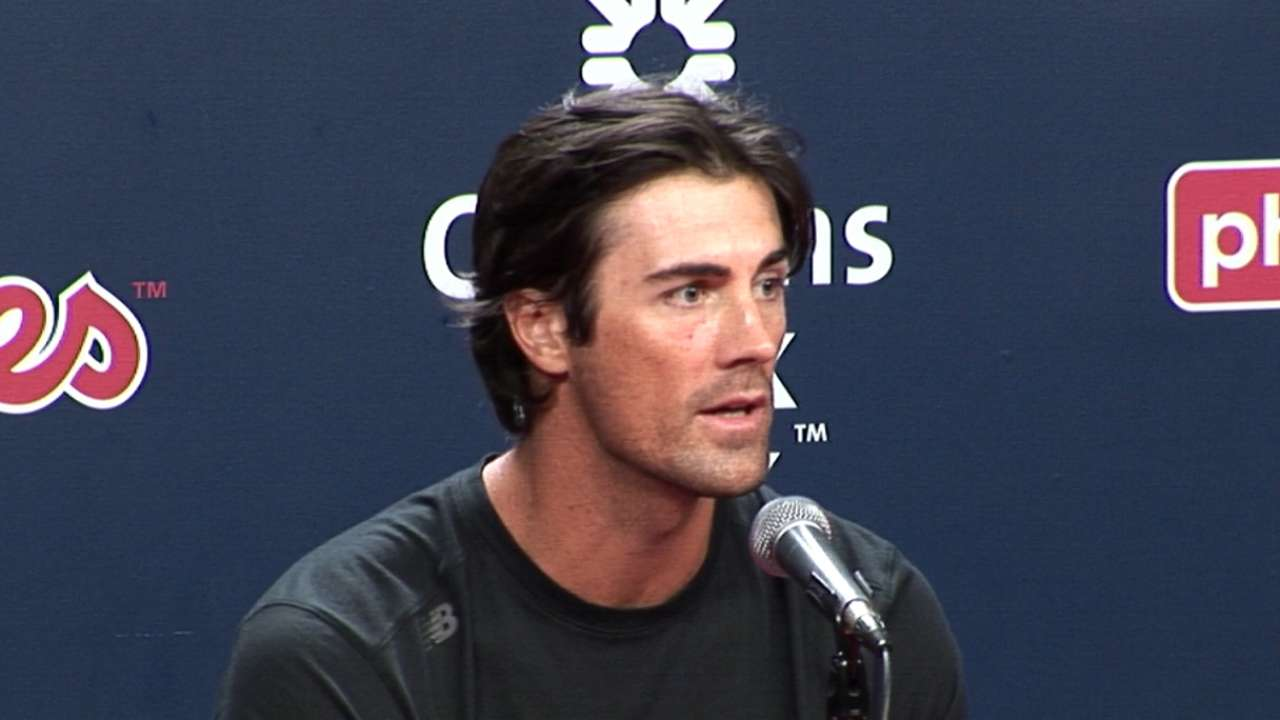 Hamels focused on staying in the moment