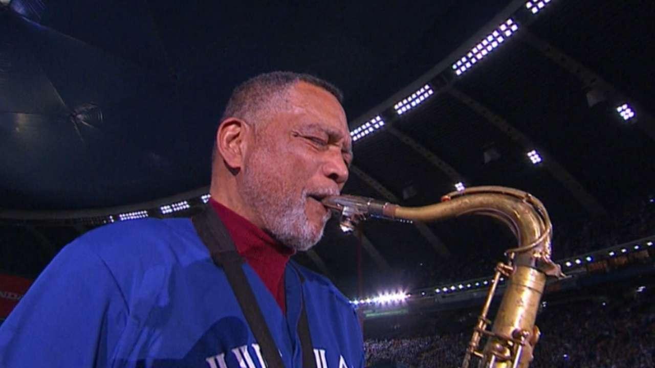 Martin Sr. plays USA anthem