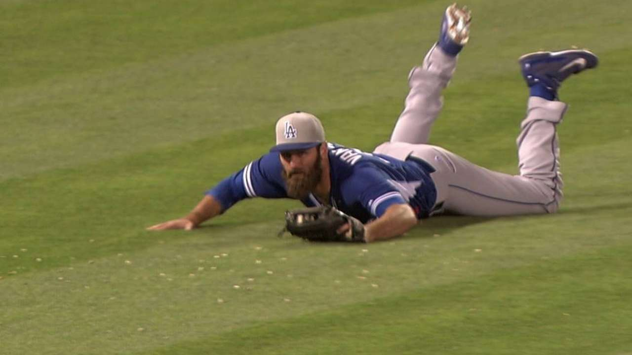 Van Slyke provides the only offense as Dodgers' bats go quiet