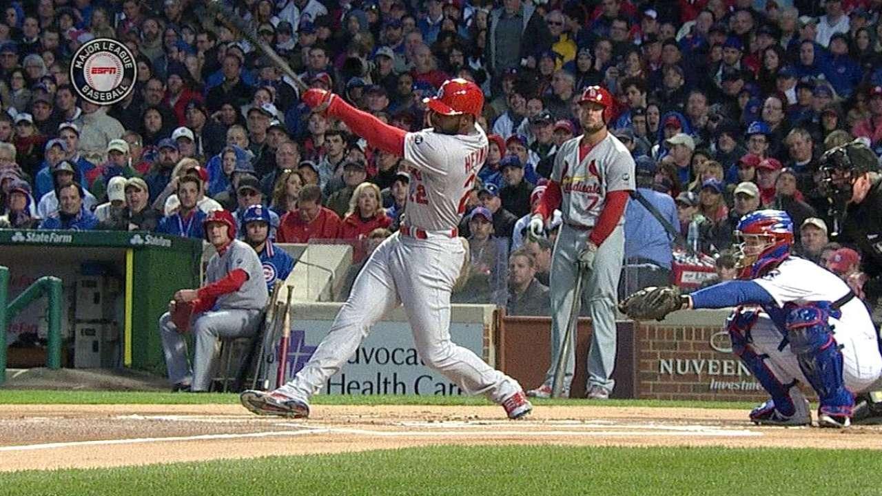 Heyward's first Cardinals hit