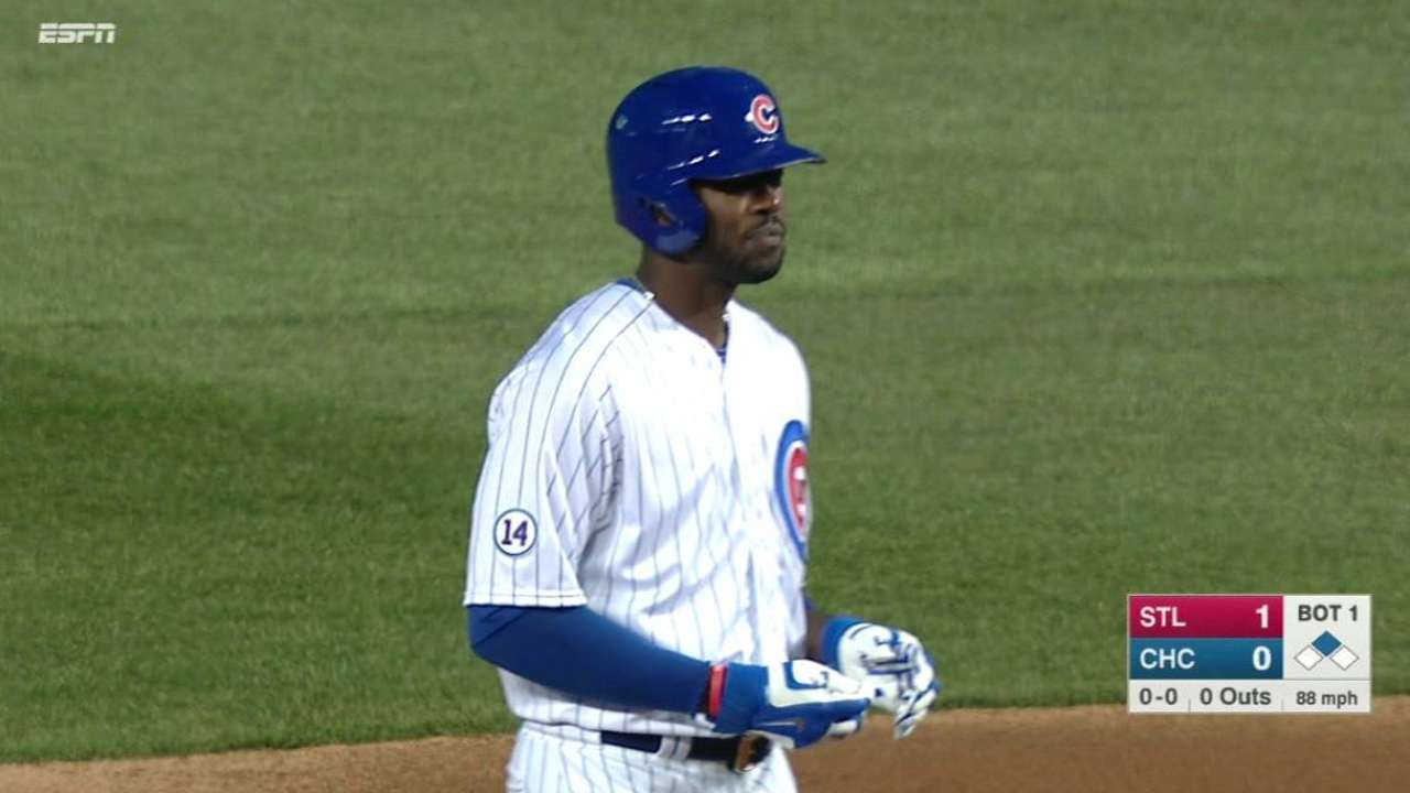 Fowler's first Cubs hit
