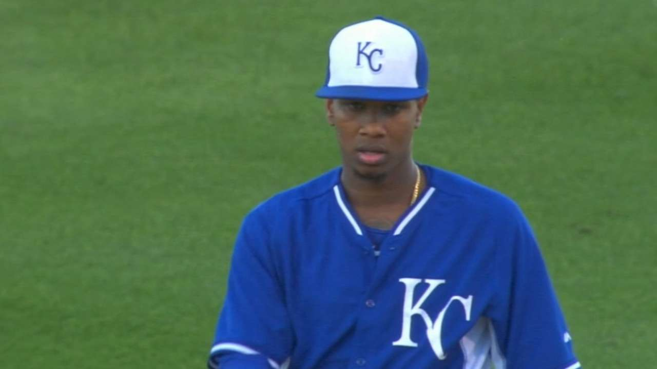 Royals, Yordano agree to 5-year contract